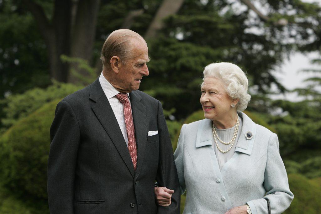 Sa Majesté la Reine Elizabeth II et le Prince Philip, Duc d'Edimbourg, visitent à nouveau Broadlands, à l'occasion de leur anniversaire de mariage de diamant le 20 novembre.
