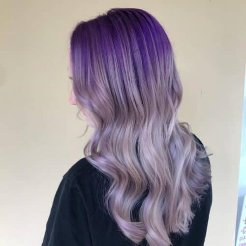 Cheveux ocrés violet foncé à violet clair