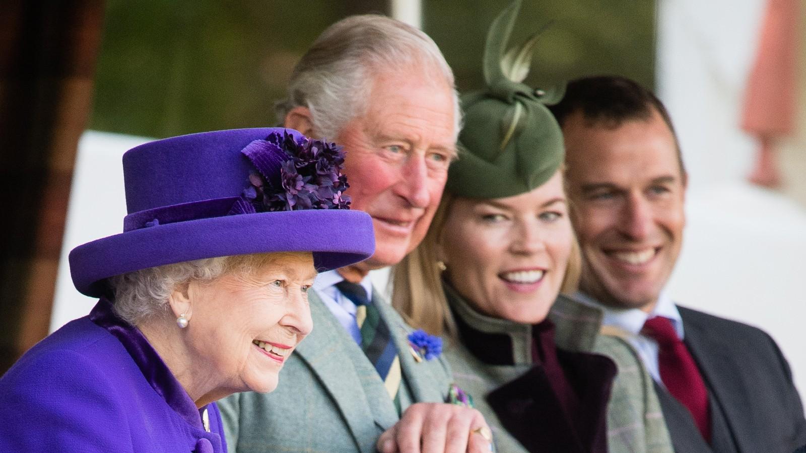 La Reine, le Prince Charles, Peter Phillips et Autumn Phillips