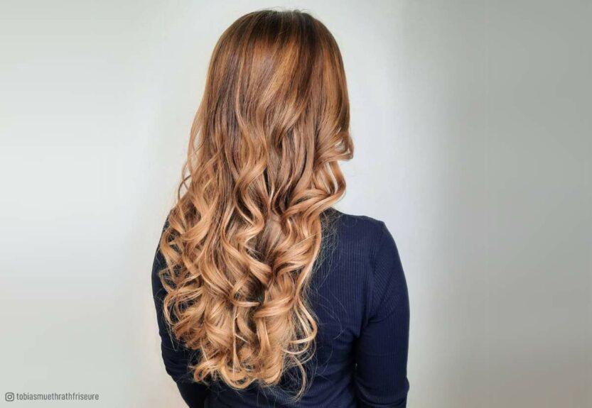 Caramel blonde hair color idea