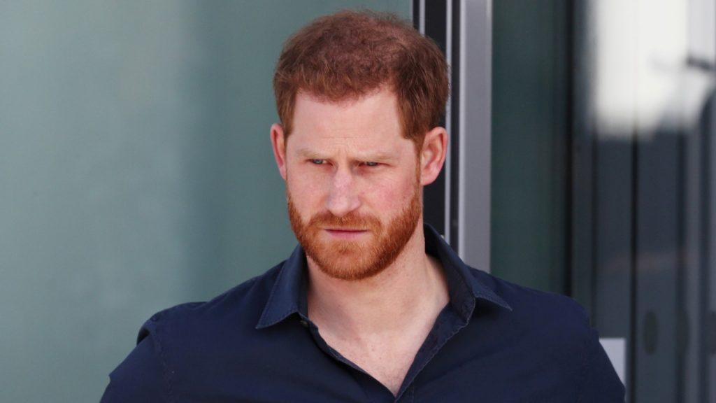 Le prince Harry, duc de Sussex, visite The Silverstone Experience à Silverstone le 6 mars 2020 à Northampton, en Angleterre.