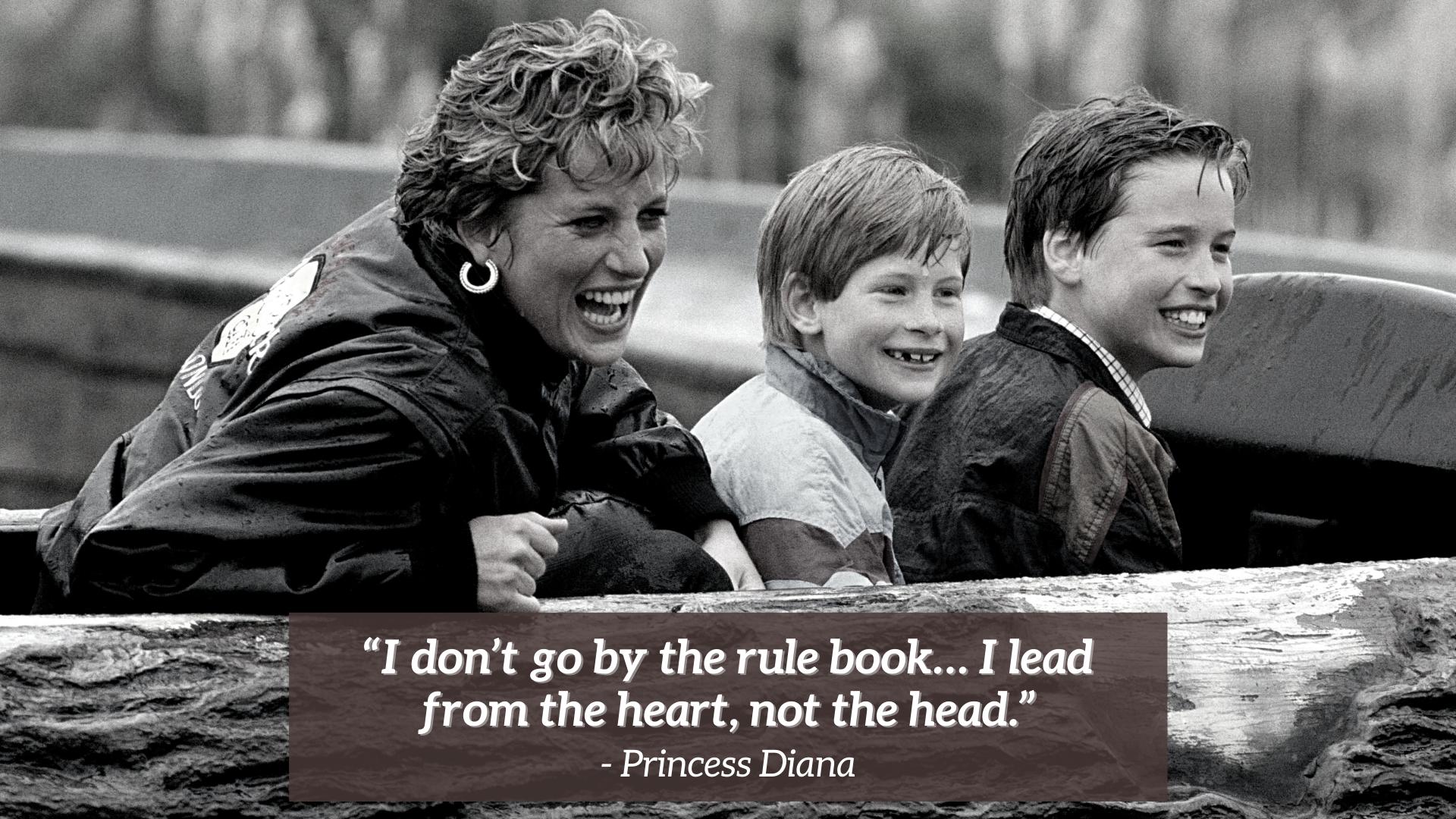 Diana avec Harry et William pendant un tour de toboggan dans un parc d'attractions.