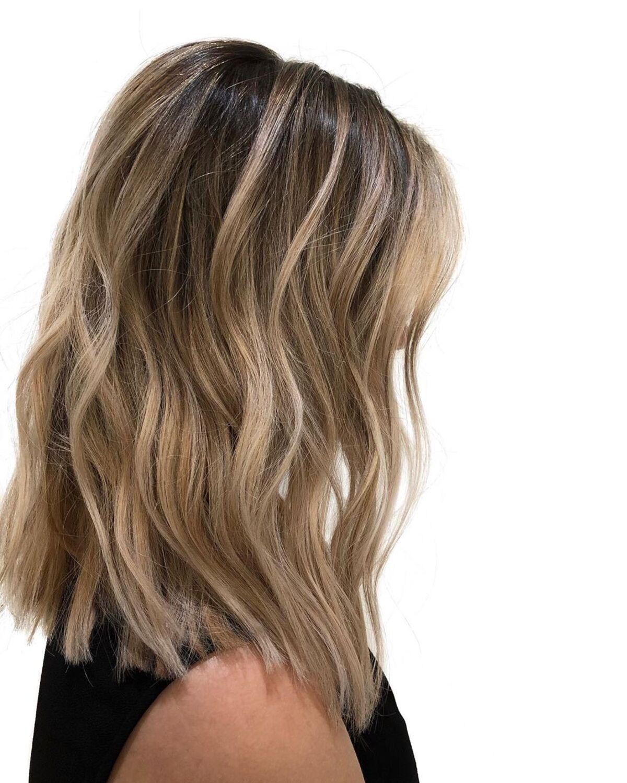 Brun avec des reflets blonds très clairs