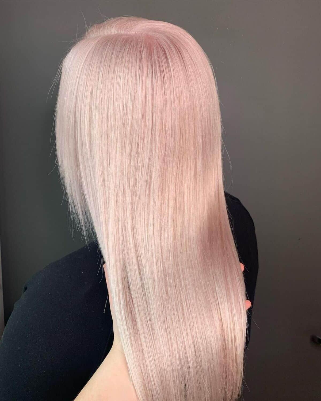 Cheveux blush champagne blond