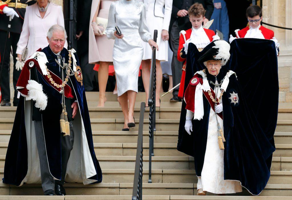 Le prince Charles, prince de Galles, et la reine Elizabeth II assistent au service de l'Ordre de la Jarretière à la chapelle Saint-Georges, le 17 juin 2019.