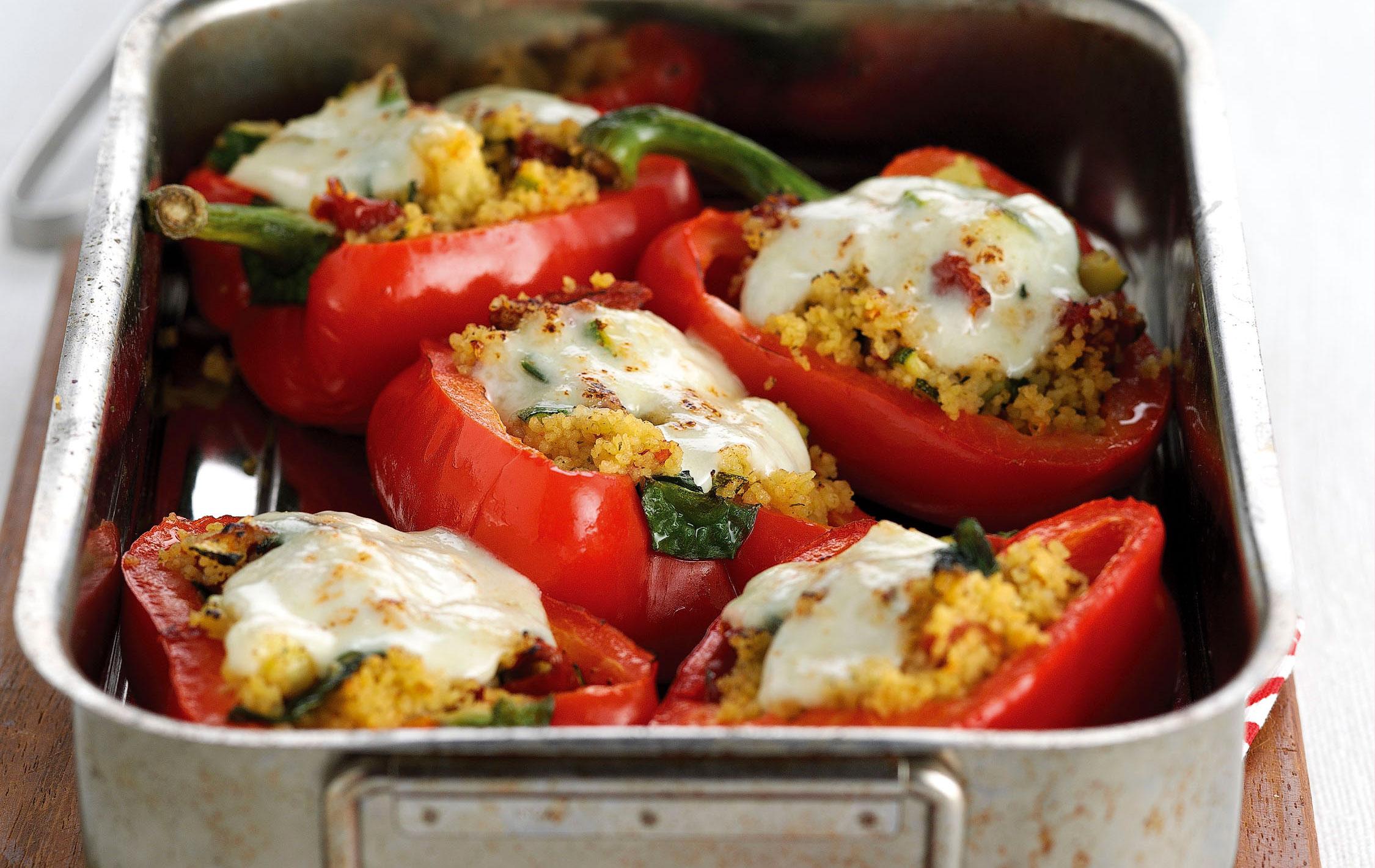 Poivrons farcis au couscous, courgette et mozzarella, repas basses calories