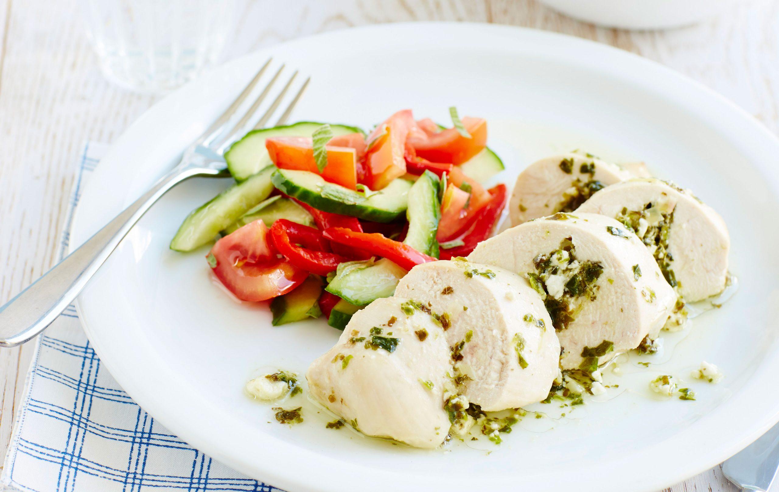 Poulet et salade à la grecque