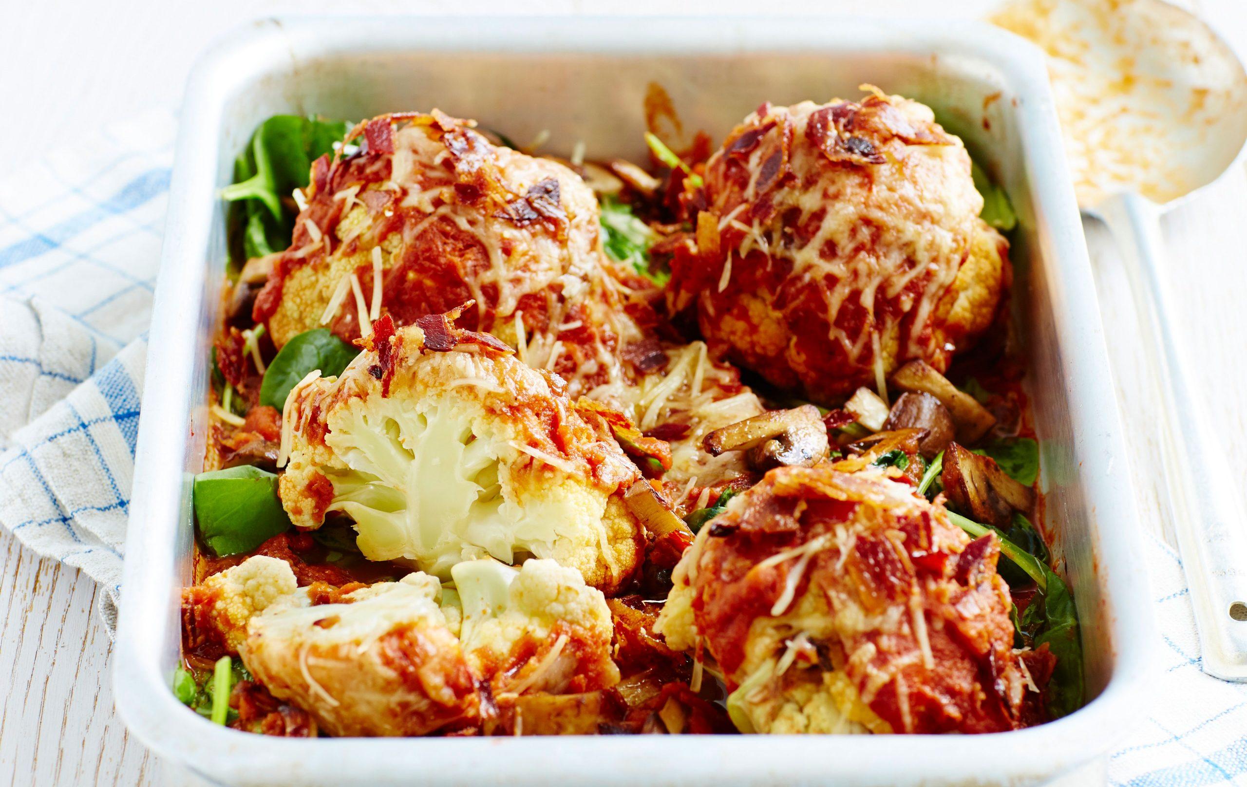 Mini choux-fleurs rôtis avec sauce tomate