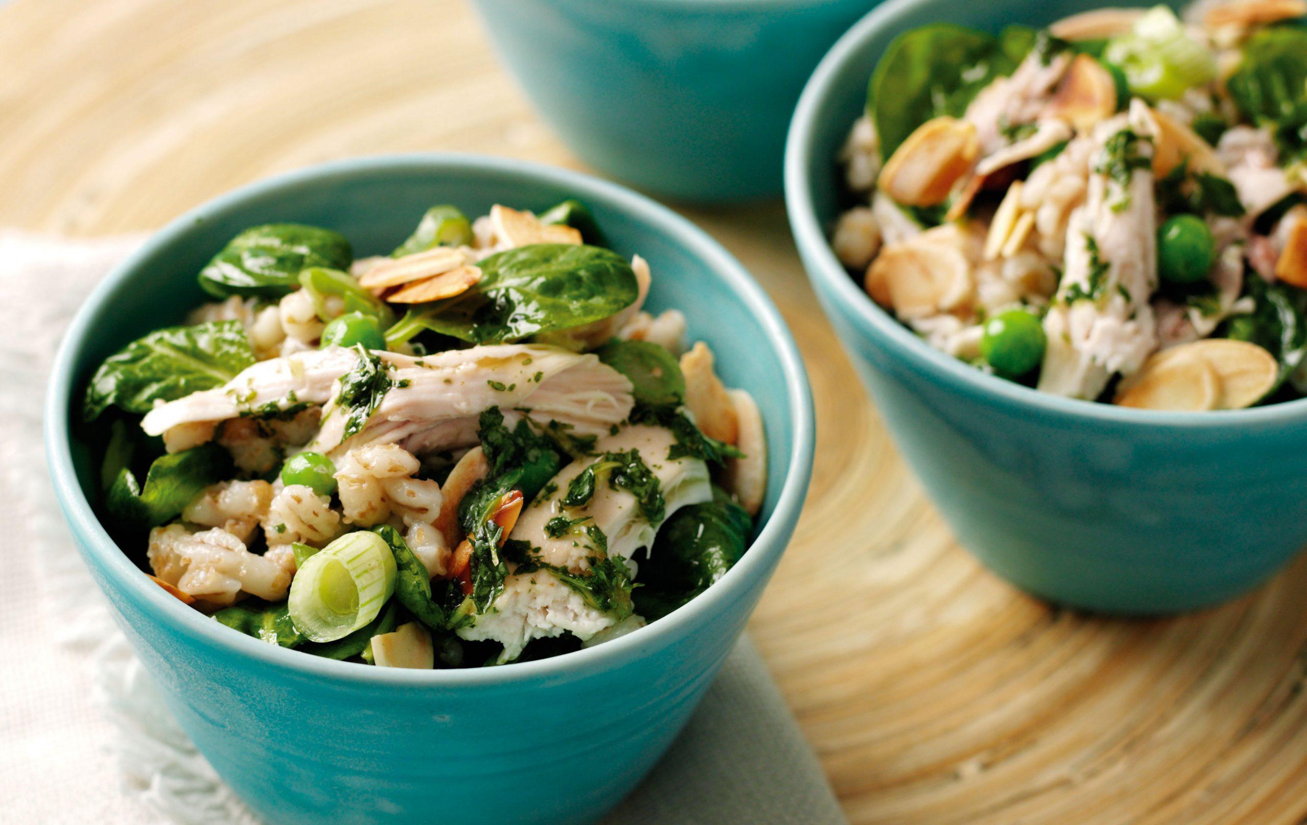 Salade chaude de poulet et d'orge