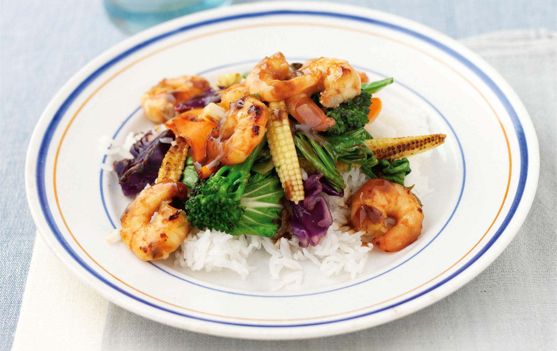 Sauté de crevettes asiatiques avec riz au jasmin