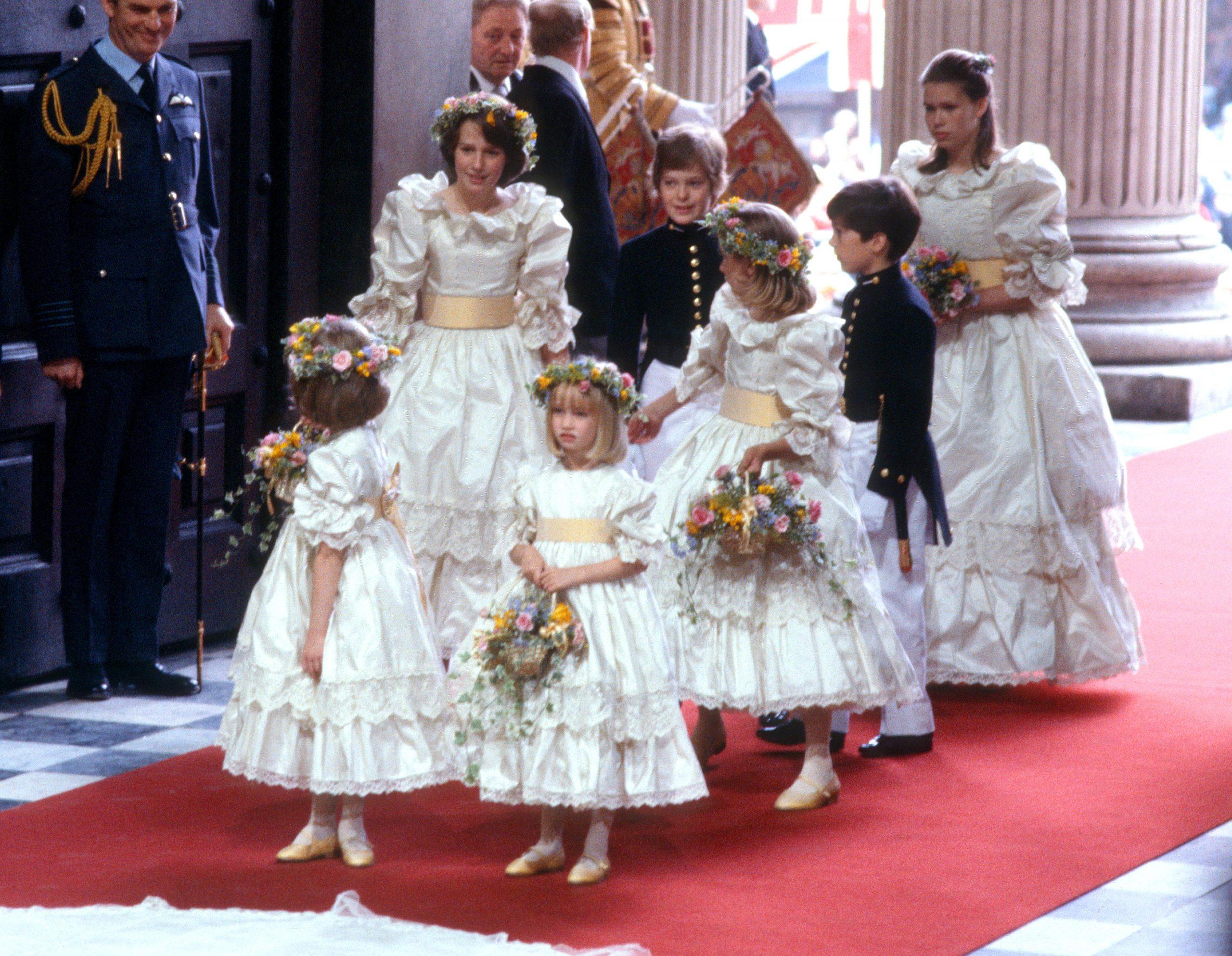Les demoiselles d'honneur de la Princesse Diana à la Cathédrale St Paul où elles se sont mariées.
