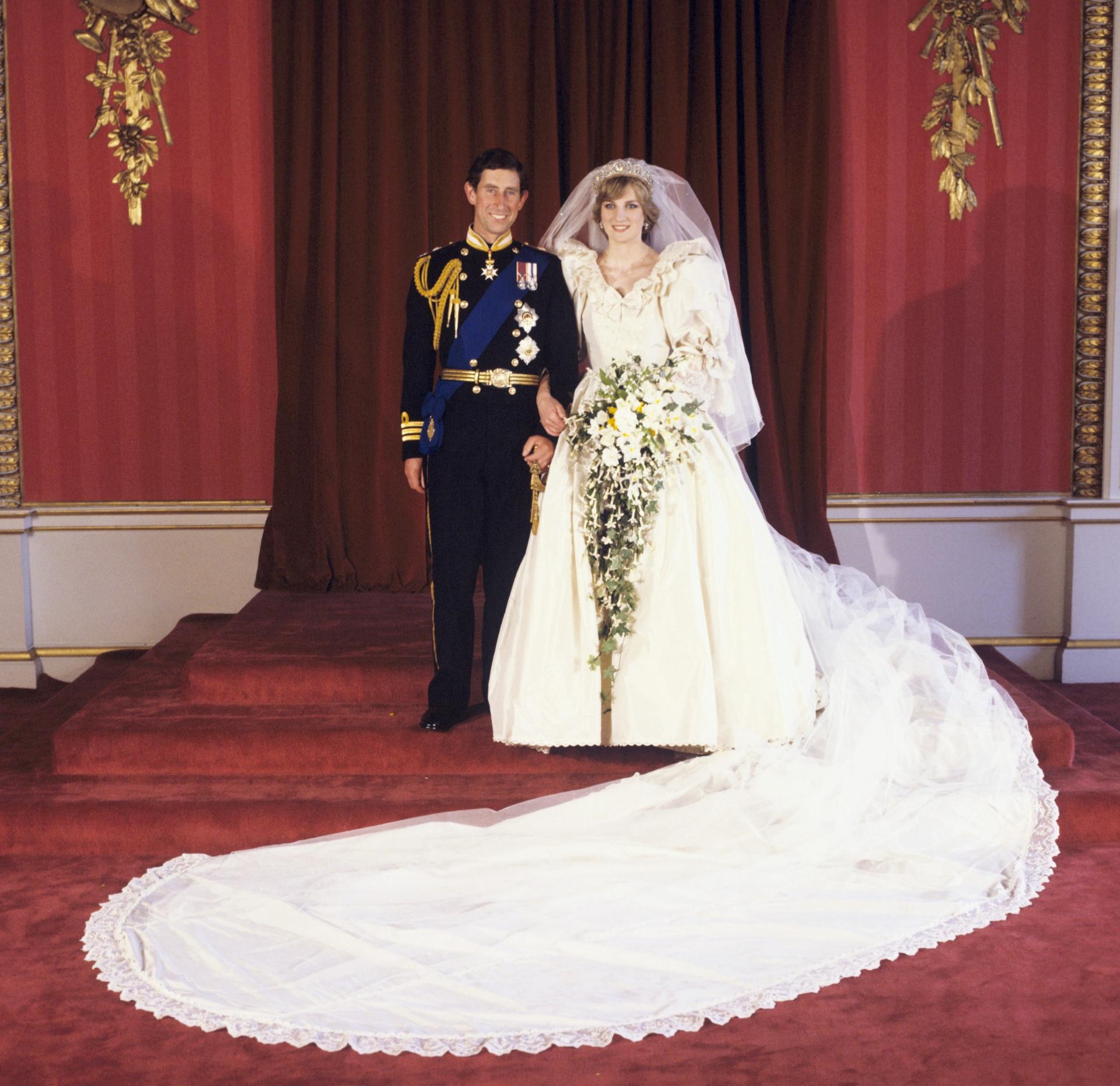 Le Prince Charles et la Princesse Diana le jour de leur mariage.