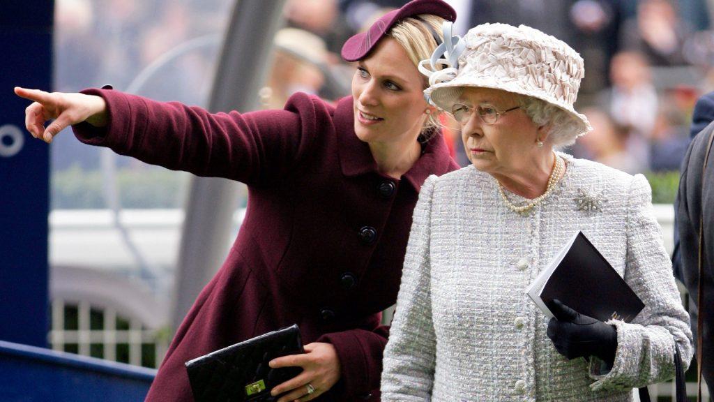 La Reine et Zara Tindall