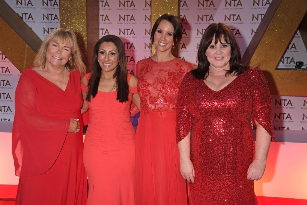 Linda Robson, Saira Khan, Andrea McLean et Coleen Nolan assistent aux National Television Awards 2020 à l'O2 Arena.