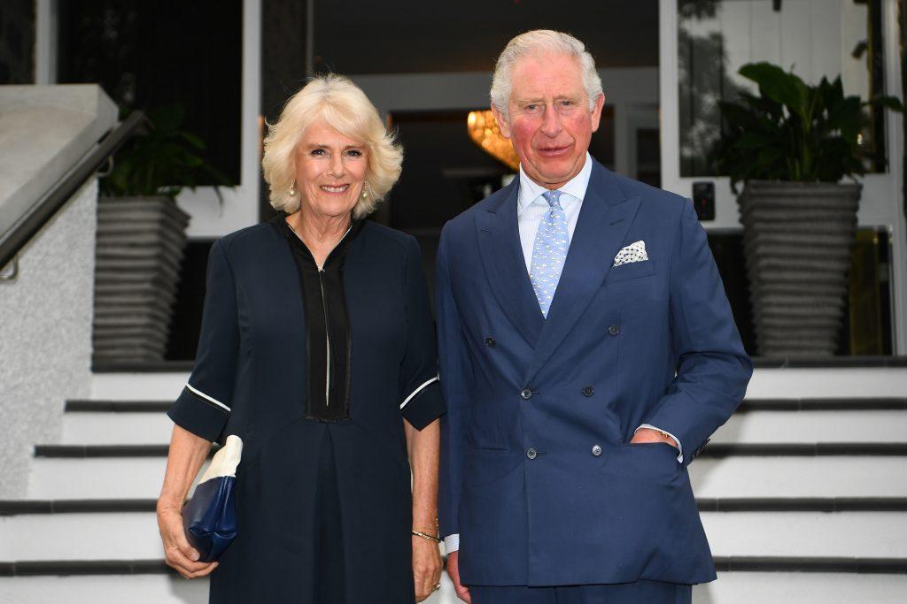 Le prince Charles, prince de Galles, et Camilla, duchesse de Cornouailles, assistent à une réception offerte par le gouverneur général Dame Patsy Reddy à Government House, le 19 novembre 2019 à Auckland, en Nouvelle-Zélande.
