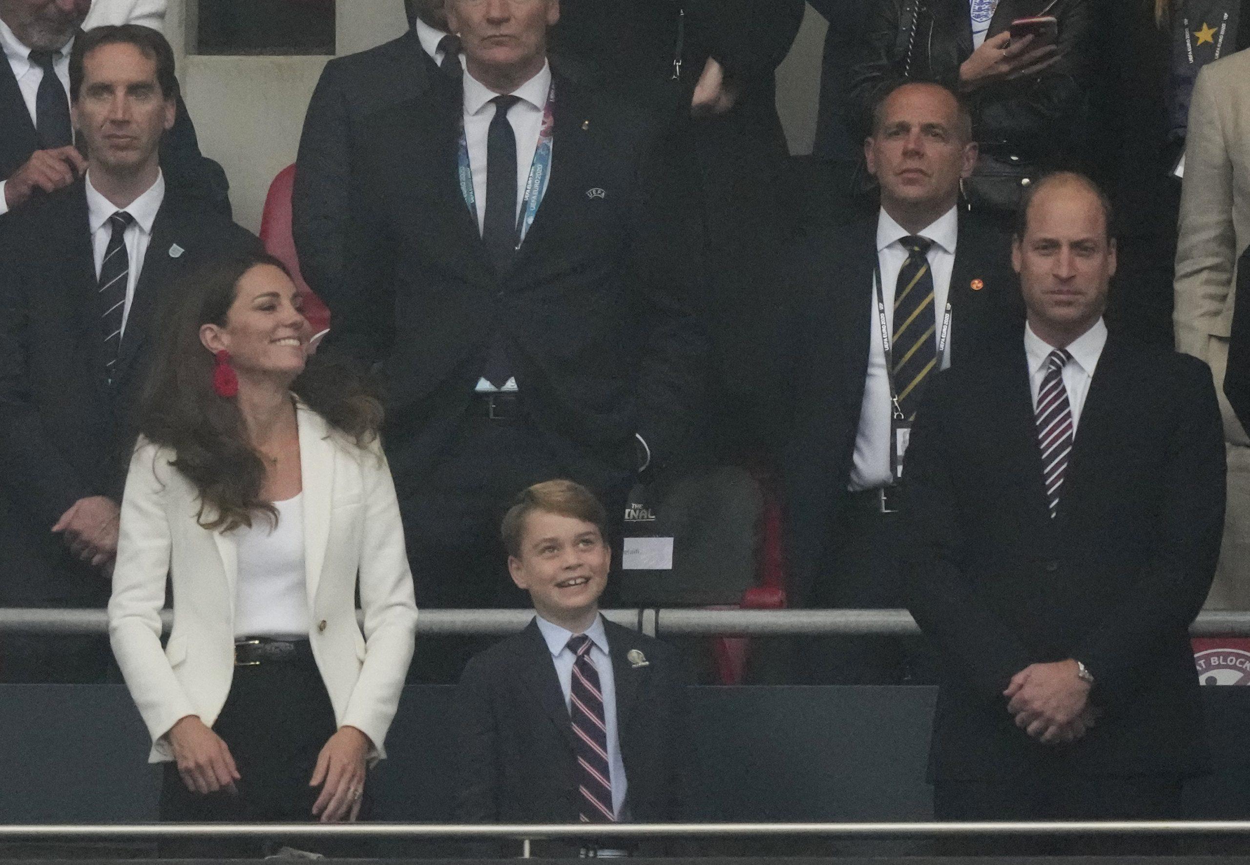 Le prince George, le prince William et Kate Middleton