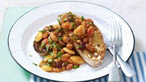 Repas végétariens hypocaloriques haricots sur toast