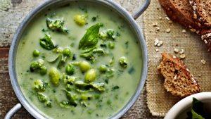 Repas végétariens hypocaloriques Soupe de pois et de haricots de soja