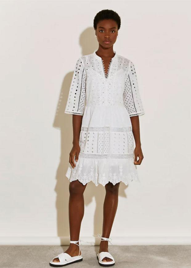 River Island - Robe blanche à manches courtes et broderie dans le dos.