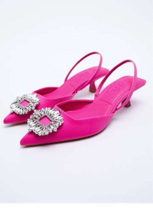 Chaussures à talon intermédiaire scintillantes de Zara.