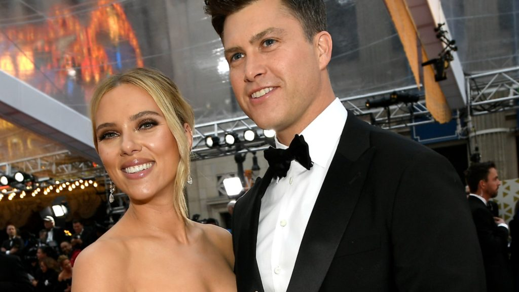 carlett Johansson et Colin Jost assistent à la 92e cérémonie annuelle des Oscars au Hollywood and Highland le 09 février 2020 à Hollywood, en Californie.