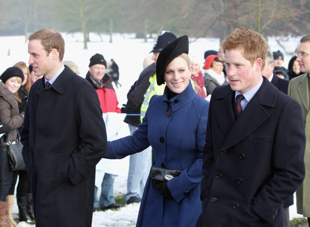 Le Prince William, le Prince Harry et Zara Phillips arrivent pour le service de Noël à l'église de Sandringham.