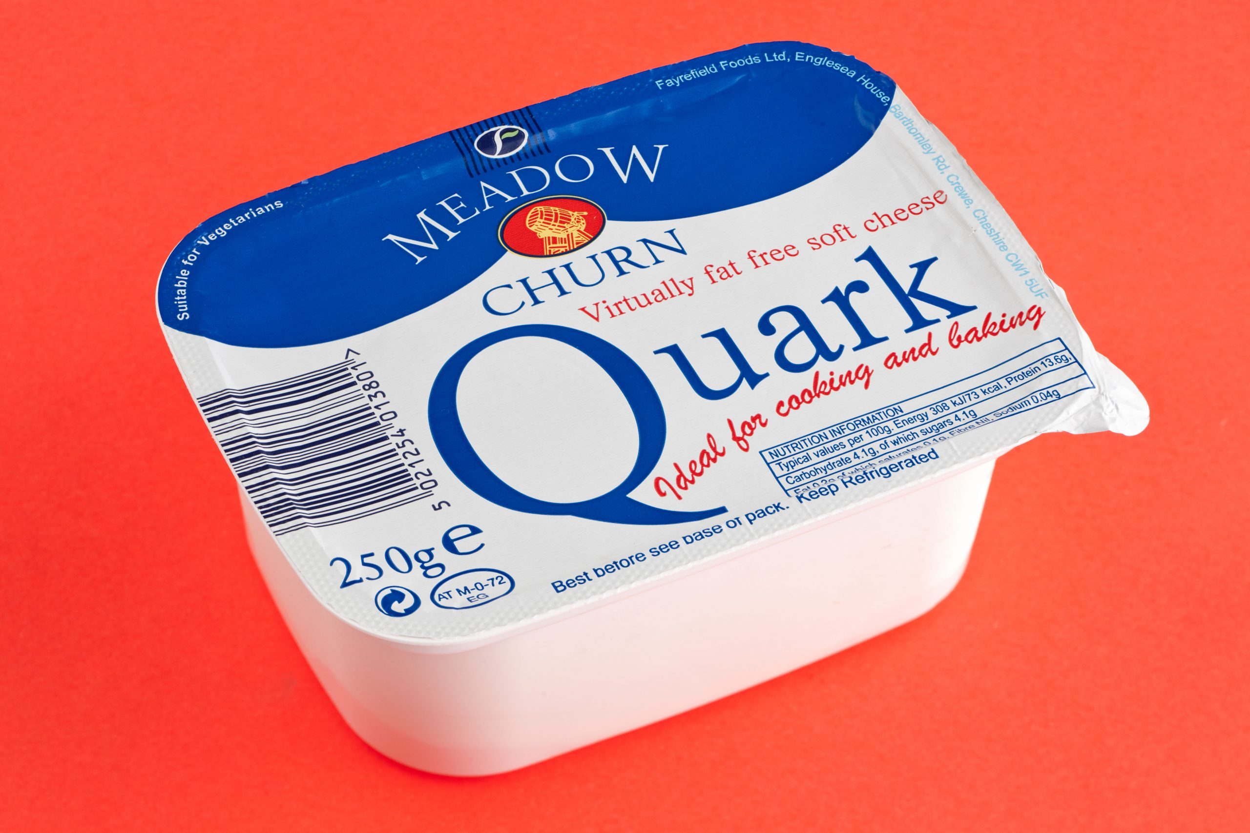 Un pot de fromage blanc, nourriture gratuite du Monde Minceur