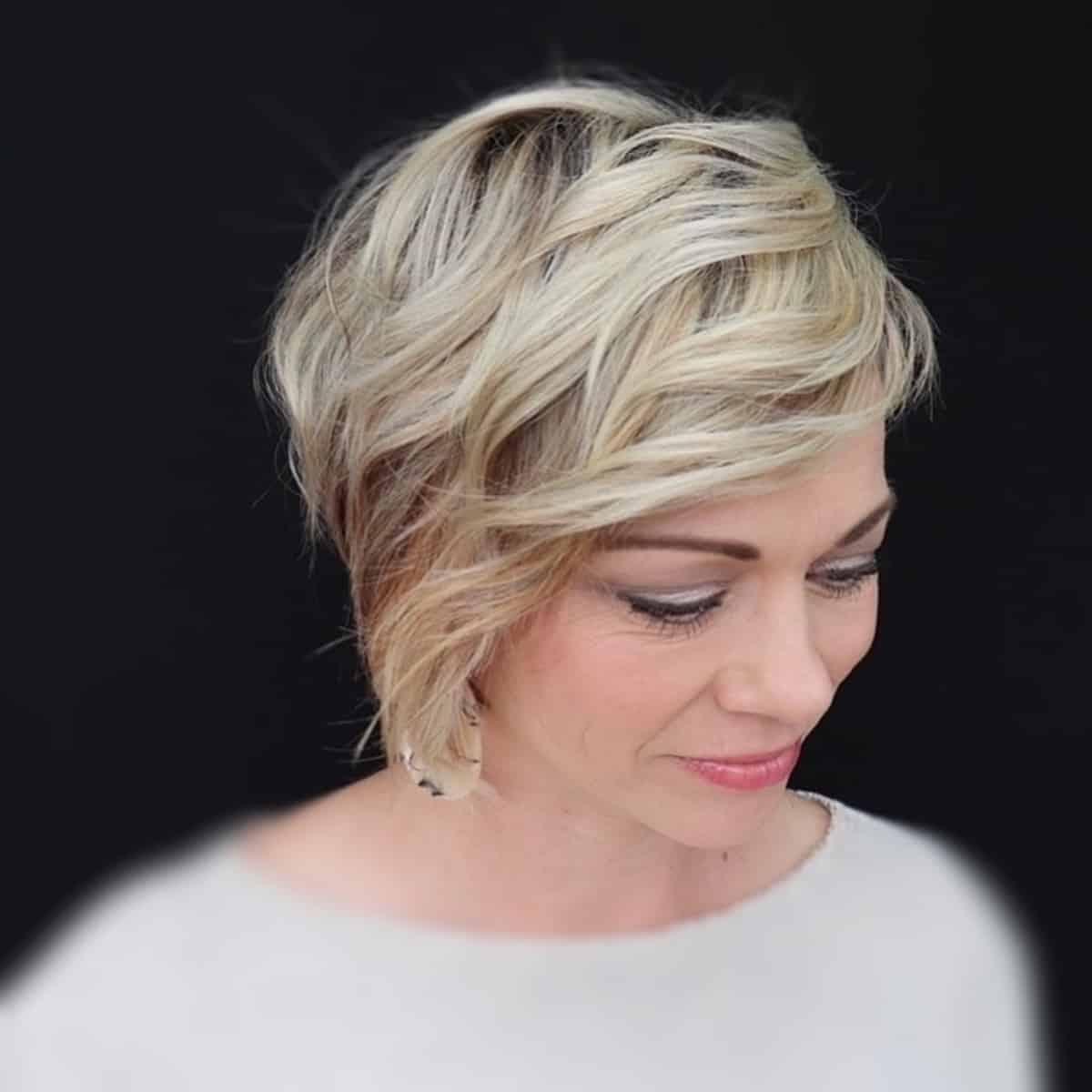 Coupe de cheveux Wavy Lixie