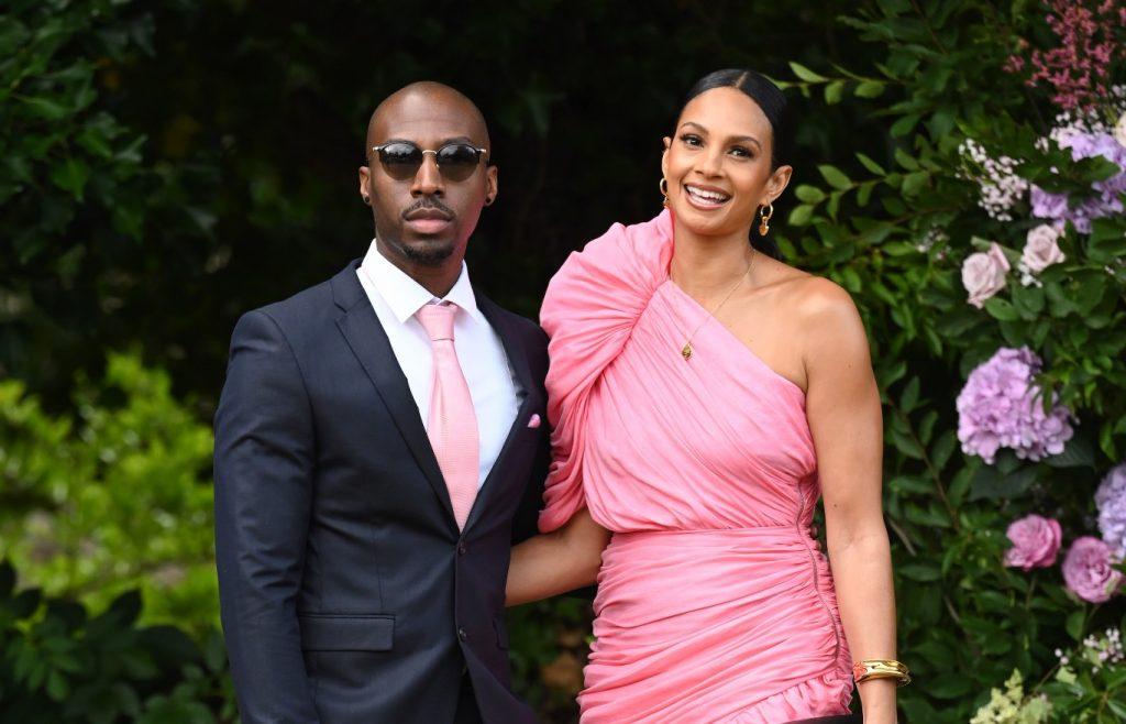 Alesha Dixon et Azuka Ononye arrivent au mariage d'Ant McPartlin et Anne-Marie Corbett à l'église St Michael.