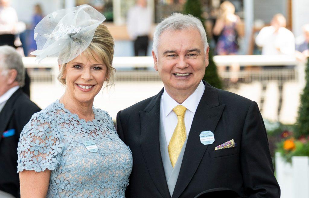 Eamonn Holmes et Ruth Langsford assistent au Derby d'Epsom à l'hippodrome d'Epsom, le 1er juin 2019.