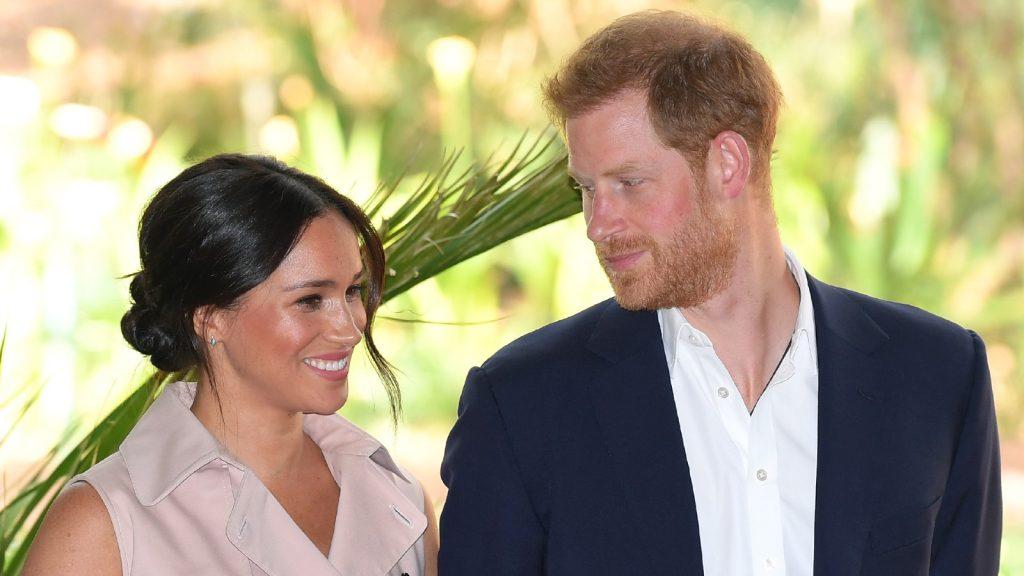 Meghan, duchesse de Sussex, et le prince Harry, duc de Sussex, assistent à une réception pour célébrer l'importante relation d'affaires et d'investissement du Royaume-Uni et de l'Afrique du Sud à la résidence du haut-commissaire lors de leur tournée royale en Afrique du Sud, le 02 octobre 2019 à Johannesburg, en Afrique du Sud.