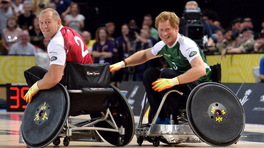 Mike Tindall et le Prince Harry en action aujourd'hui lors d'un match d'exhibition de rugby en fauteuil roulant lors des Invictus Games à Copperbox, Queen Elizabeth Park, le 12 septembre 2014 à Londres, en Angleterre.