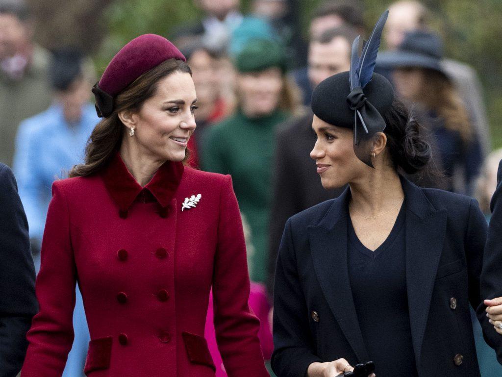 Catherine, duchesse de Cambridge et Meghan, duchesse de Sussex, assistent au service religieux du jour de Noël à l'église Sainte-Marie-Madeleine.