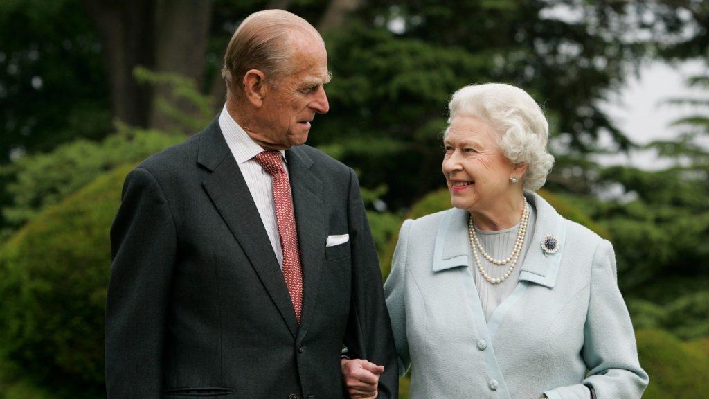 Sa Majesté la Reine Elizabeth II et le Prince Philip, Duc d'Edimbourg, visitent à nouveau Broadlands, pour marquer leur anniversaire de mariage de diamant le 20 novembre.