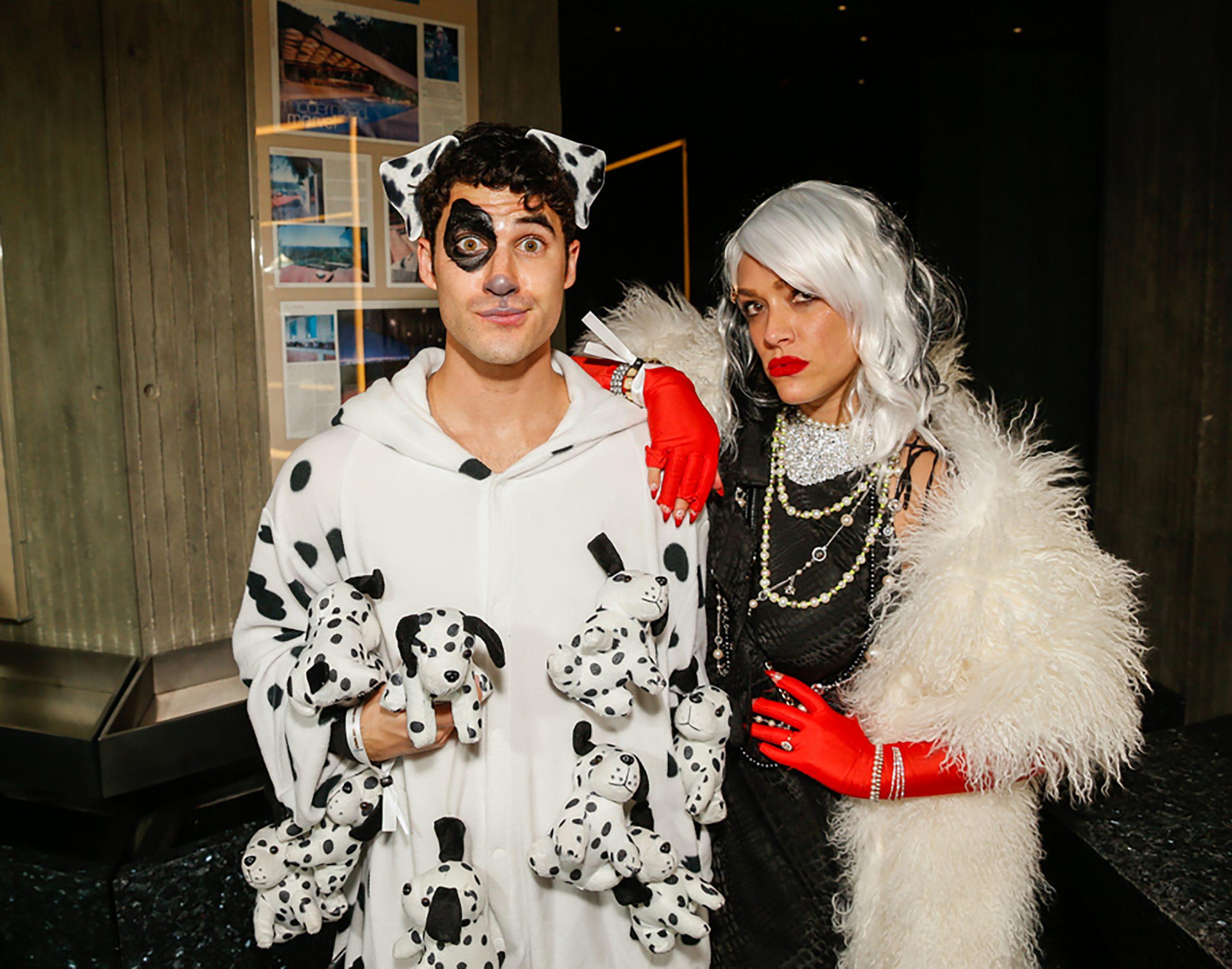 Darren Criss et sa femme Mia dans des costumes de couple pour Halloween