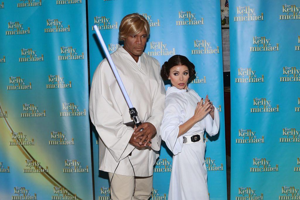Costumes de couple de Luke Skywalker et de la princesse Leia pour Halloween