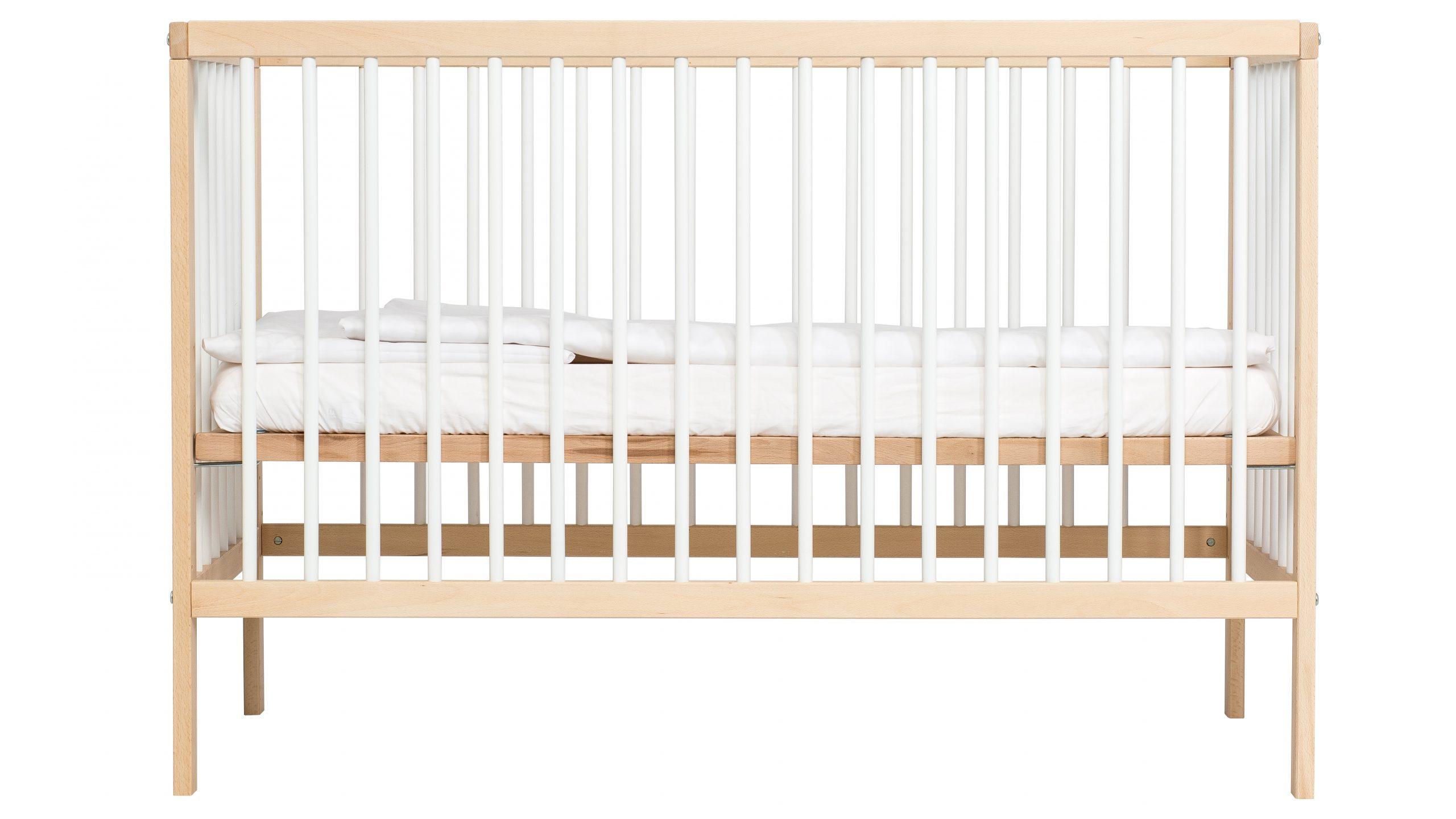 Le lit de bébé Mokee Midi est notre choix parmi les meilleurs lits de bébé.