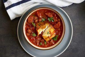 Ragoût de poisson blanc et de chorizo - Idées de déjeuners à faible teneur en glucides