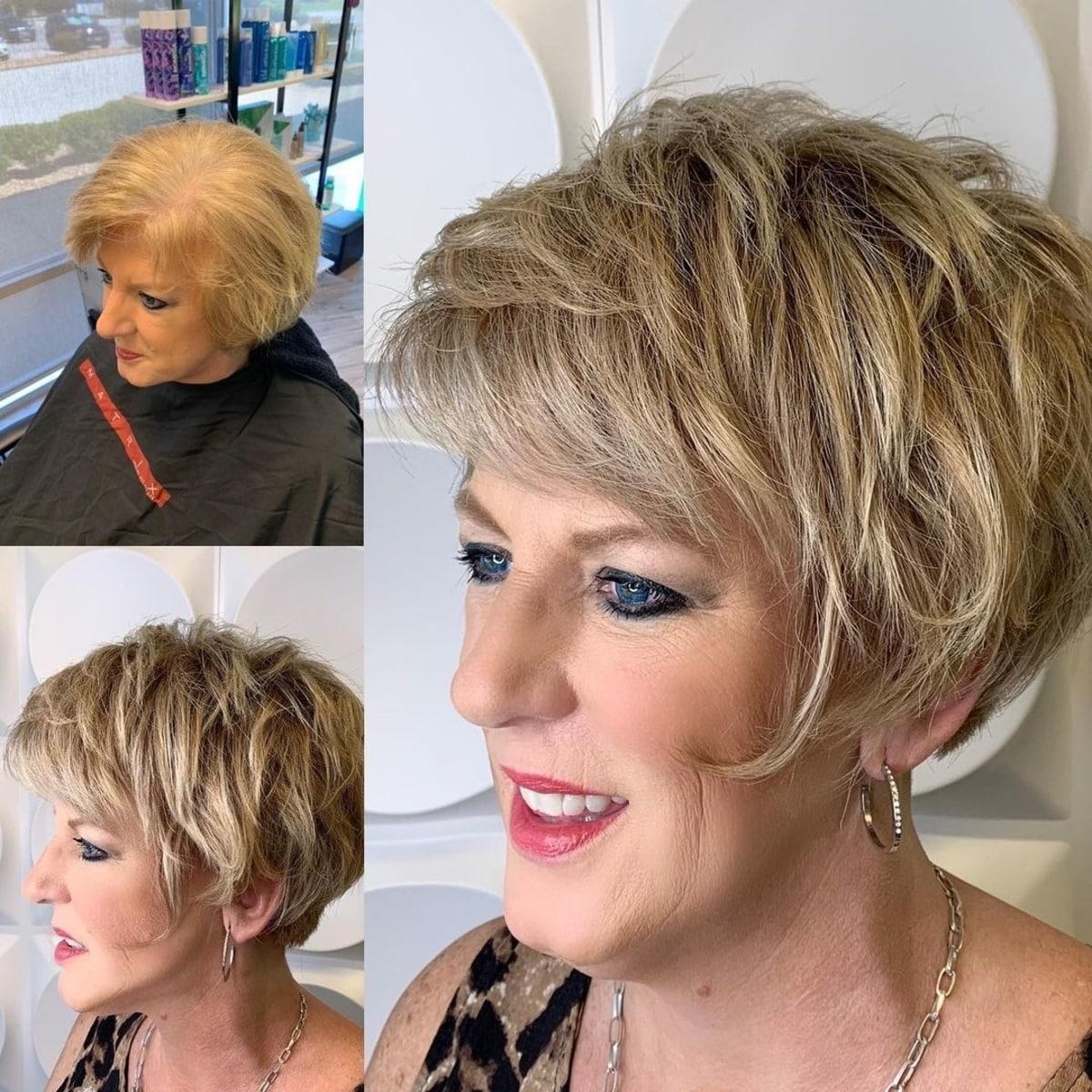 Coupe de cheveux désordonnée pour les femmes âgées
