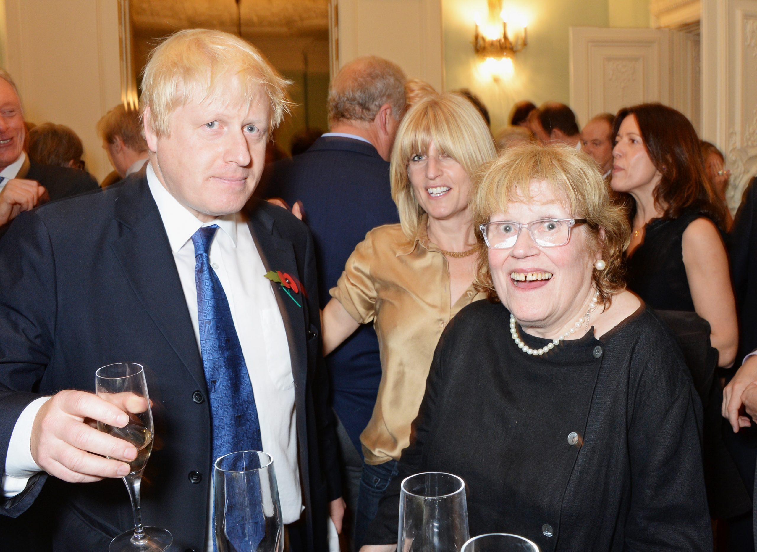Boris Johnson, Rachel Johnson et leur maman Charlotte Johnson Wahl.