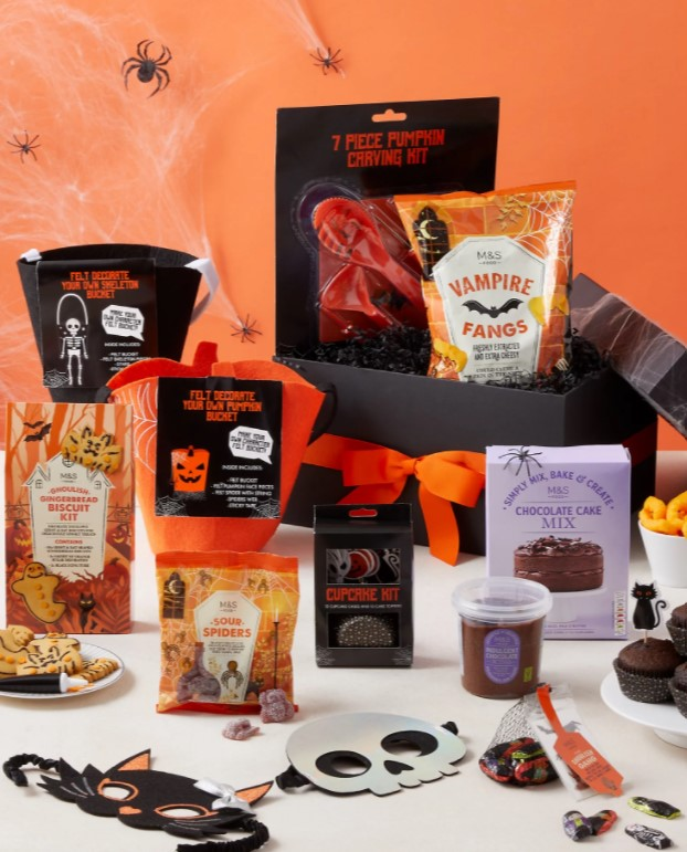 Halloween Spooky Night In Gift Box (Delivery from 15th October 2021) Image 1 of 3 Halloween Spooky Night In Gift Box