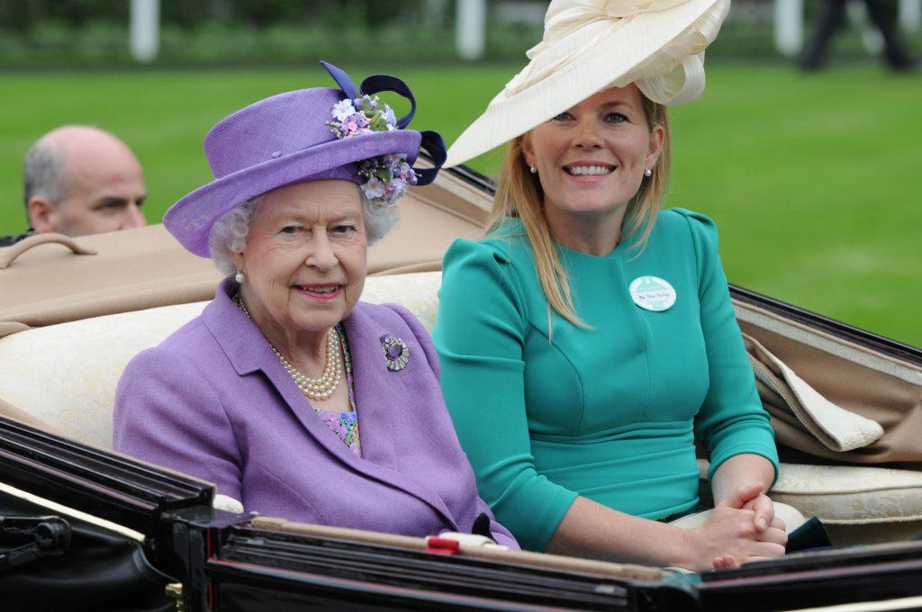 La Reine Elizabeth II et Autumn Phillips assistent à la journée des dames le troisième jour de Royal Ascot à l'hippodrome d'Ascot.